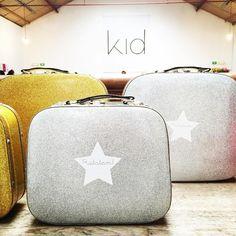 Les valises à paillettes disponibles la semaine prochaine! #ratatam #ratatamkids #valise #valisesapaillettes #suitcases