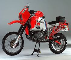 Right now, the 2011 Dakar Rally racers are somewhere near Córdoba in Argentina. These days the motorcycle class is dominated by KTM, but in the 80s it was BMW all the way. The bike you're looking at here is one of BMW's three entries from… Read more »