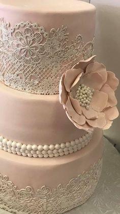 Elegant wedding cake in lace.