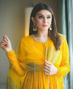 Hansika Motwani is an Indian actress who mainly appears in Tamil films. She also acts in Telugu, Malayalam and Hindi films. She made her film debut in the Telugu film Desamuduru, winning the Filmfare Award for Best Female Debut – South. Anarkali Dress, Pakistani Dresses, Indian Dresses, Indian Outfits, Anarkali Suits, Punjabi Suits, Bollywood Dress, Pakistani Couture, Indian Couture