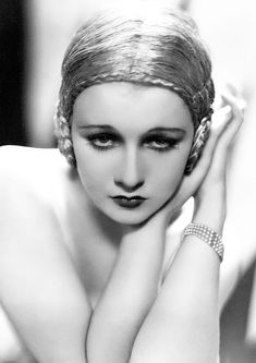 Silent movie star Anita Page in a 'flapper' wig made from coiled gold thread Old Hollywood, Hollywood Glamour, Classic Hollywood, Silent Film Stars, Movie Stars, Silent Screen Stars, Vintage Glamour, Vintage Beauty, Vintage Makeup