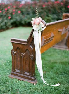 trailing-ribbon-pew-ends