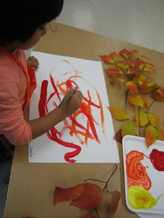 just provide puddles of the colors on a tray and show how to create new colors. Kindergarten Art Activities, Autumn Activities, Preschool Art, Educational Activities, Reggio Emilia Classroom, Reggio Inspired Classrooms, Classroom Crafts, Classroom Ideas, Classroom Inspiration