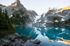 A perfectly calm lake in Washington's Cascade Range at sunrise - Nature and Science Nature Photography Tips, Photography Tips For Beginners, Photography Books, Calming Images, Point And Shoot Camera, Travel Photos, Sunrise, Places To Visit, Scenery