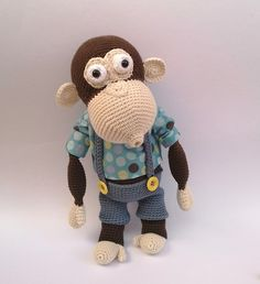 Háčkovaná opička NÁVOD Návod na háčkovanou opičku v PDF s fotkami, včetně kalhot a střihu na triko. Posílám po připsání platby, buď do zpráv nebo na Váš mail. U návodů neplatíte poštovné.