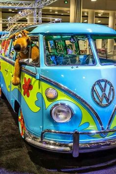 this is why young kids call my bus the scooby doo van. Volkswagen Bus, Vw T1, Vw Camper, Daphne From Scooby Doo, New Scooby Doo, Combi Hippie, Combi Ww, Grumpy Cat Quotes, Scooby Doo Mystery Incorporated