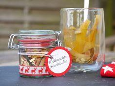 Gesundes Geschenk für liebe Freunde: Weihnachts-Früchte-Tee aus der eigenen Küche