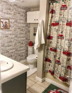 The bathroom may not be the first place you think of when it comes to decorating your home for Christmas, but don't let that stop you! There are plenty of brilliant Christmas bathroom decor ideas to inspire you (and maybe even will surprise you! Christmas Bathroom Decor, Christmas Shower Curtains, Bathroom Red, Small Bathroom, Bathrooms, Bathroom Ideas, Bathroom Makeovers, Cute Shower Curtains, Toilet Storage