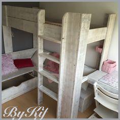 Kinderkamer steigerhout