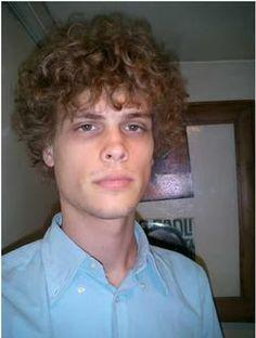 young mgg His hair tho!!