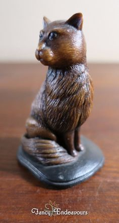 Simon Harris UK Miniature Regal Sitting Cat Figurine   eBay