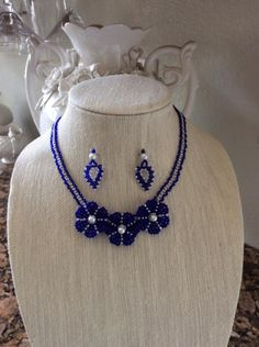 Blue flowers - Jewelry creation by Lizy N. Jewelry Sets, Jewelry Making, Beaded Jewelry, Handmade Jewelry, Bead Weaving, Blue Flowers, Beading, Crochet Necklace, Community