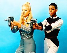 Soolin & Dayna Mellanby (Glynis Barber & Josette Simon) in Blake's 7 Glynis Barber, Sci Fi Tv Series, Sci Fi Tv Shows, Science Fiction, Best Sci Fi, Best Horror Movies, Classic Sci Fi, Adventure Movies, Sci Fi Fantasy