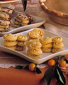 Whether you're having a holiday gathering, a springtime meal in a garden, or an afternoon cup of tea, these s-shaped Orange-Cornmeal Cookies will satisfy. Cornmeal Cookies Recipe, Brown Sugar Cookie Recipe, Cornmeal Recipes, Pink Cookies, Spritz Cookies, Shortbread Cookies, Sugar Cookies, Yummy Cookies, Orange Glaze Recipes