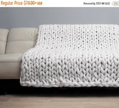 ❘❘❙❙❚❚ EASTER SALE ❚❚❙❙❘❘     Our super soft and chunky blankets are handmade with love from superfine luxury 19 microns merino wool yarn.  Its