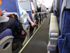 Travel Comfortably: Choosing the Best Compression Socks for Travel