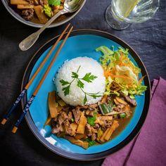 Biff med bambuskott - recept | Mitt kök Foodies, Ethnic Recipes, Asia, Chinese, Glass, Drinkware, Corning Glass, Yuri, Tumbler