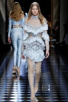 Balmain Fall 2016 Ready-to-Wear Collection Photos - Vogue Fashion Week Paris, Fall Fashion 2016, High Fashion, Fashion Show, Autumn Fashion, Fashion Design, Fashion Weeks, Haute Couture Style, Couture Mode