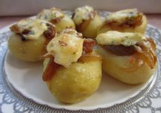 Patatas con cebolla confitada y salmón