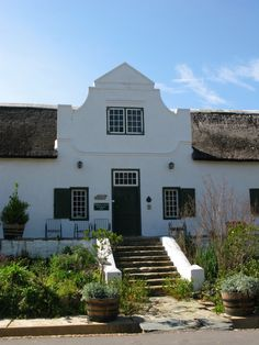 Trailrider - Adventures and Ride Reports: Tulbagh & Cape Dutch Gables Beautiful Buildings, Beautiful Landscapes, South African Homes, Cape Dutch, Africa Destinations, Dutch House, Rosemary Beach, Beautiful Places To Visit, Countries Of The World