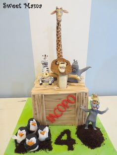Madagascar - by SweetMamaMilano @ CakesDecor.com - cake decorating website