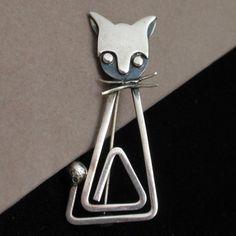 Cat Pin Vintage Sterling Silver Delfino