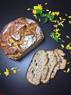 Banana Bread, Bakery, Desserts, Food, Germany, Walnut Bread Recipe, Buttermilk Recipes, Bread Baking, Breads