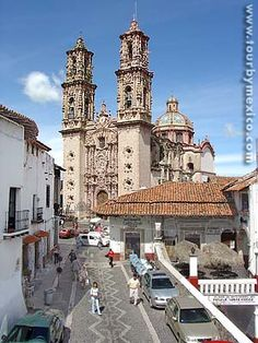 Santa Prisca parish in Taxco de Alarcon, Guerrero, Mexico - Tour By Mexico ®  http://www.tourbymexico.com/guerrero/taxco/taxco.htm