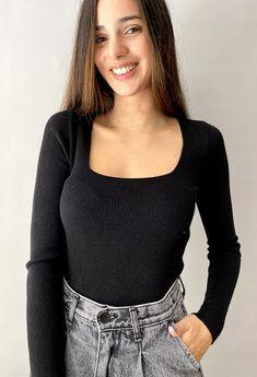 Πλεκτες μπλουζες κοντες Total Black, Must Haves, Men Sweater, Turtle Neck, Knitting, Sweaters, Outfits, Tops, Fashion