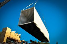 Luxury Container House Made with 14 Shipping Containers - USA - Living in a Container Prefab Container Homes, Sea Container Homes, Sea Containers, Shipping Container Home Designs, Container House Plans, Container House Design, Shipping Containers, Container Houses, Usa Living