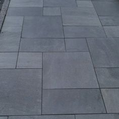 These Thermal Blue Outdoor Bluestone Tile Porcelain Pavers are a great low maintenance, frost & salt resistant, indoor or outdoor paver for any application. Outdoor Patio Pavers, Patio Tiles, Outdoor Stone, Outdoor Tiles, Outdoor Flooring, Porch Tile, Outdoor Porcelain Tile, Bluestone Pavers, Exterior Tiles