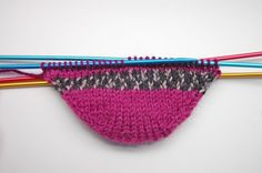 Anleitung: Toe Up Socken stricken – knitting socks – Knitting for Beginners Knitting Socks, Free Knitting, Knit Socks, Start Knitting, Baby Knitting Patterns, Crochet Patterns, Lace Socks, String Bag, Sock Yarn