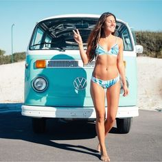 Volkswagen Pin Up ✾ Volkswagen Minibus, Vw T1, Volkswagen Transporter, Trucks And Girls, Car Girls, Combi Split, T6 California, Up Auto, Vw Camping