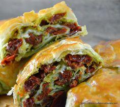 Sabores da Vida: Strudel de Tomate Seco e Muçarela com Pesto - Dia Um…Na Cozinha!