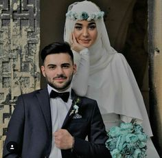 Wedding dress veil and top suits Wedding dress veil and top suits Muslim Wedding Gown, Muslimah Wedding Dress, Muslim Wedding Dresses, Wedding Dress With Veil, Muslim Brides, Wedding Hijab, Muslim Couple Photography, Wedding Photography Poses, Wedding Poses
