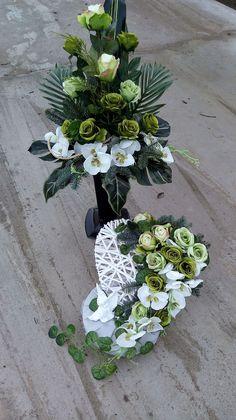 Large Flower Arrangements, Funeral Flower Arrangements, Funeral Flowers, Fake Flowers, Diy Flowers, Wedding Flowers, Arte Floral, Grave Decorations, Casket Sprays