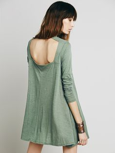 Shop Green Long Sleeve Backless Casual Dress online. Sheinside offers Green Long Sleeve Backless Casual Dress & more to fit your fashionable needs. Free Shipping Worldwide!