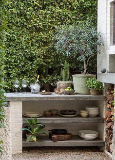 45 Pretty Outdoor Restaurant Patio Design Ideas For Fantastic Dinner Villa Design, Patio Design, Garden Design, Exterior Design, Outdoor Rooms, Outdoor Dining, Outdoor Gardens, Small Outdoor Kitchens, Outdoor Kitchen Patio