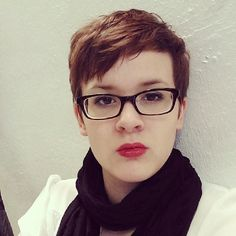 Most popular tags for this image include: girl with glasses, haircut, pixie haircut, short hair and style