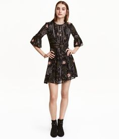 A botanical print dress crafted with just the right amount of chiffon and lace…