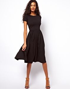 Bild 1 von ASOS – Mittellanges Kleid mit kurzen Ärmeln
