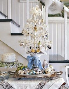 The colors silver and white are the best colors to remember winter days. These colors are amazing for decoration - white snow flakes, garlands of silver and, of course, white Christmas tree. You can use