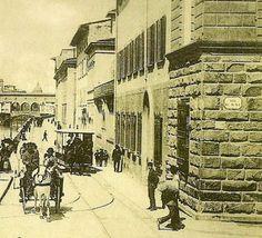 1910: Via dei Benci meets Lungarno Diaz and Ponte alle Grazie. Far away the Ponte Vecchio.
