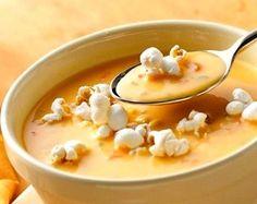 Velouté de lentilles corail et patate douce au curry, éclats de pop corn