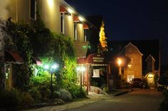Auberge Marcel Gagnon Sainte-Flavie (Qu�bec) Located in Sainte-Flavie in the Quebec Region, 29 km from Rimouski, Auberge Marcel Gagnon features a terrace and views of the sea. Guests can enjoy the on-site restaurant. Free private parking is available on site.