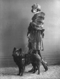 perfectly-sized dog!   saisonciel:  Odette Myrtil by Bassano, 1920