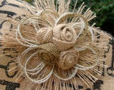 Arpillera rústica y encaje pastel flores con Vintage