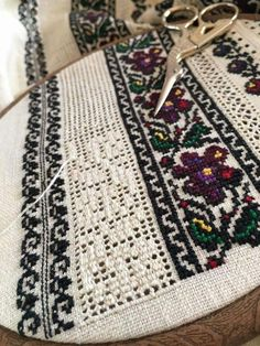 Hardanger Embroidery, Cross Stitch Embroidery, Hand Embroidery, Cross Stitch Designs, Cross Stitch Patterns, Ethno Style, Feather Stitch, Beaded Jewelry Patterns, Filet Crochet