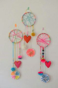 DIY Dream Catchers Made by Kids Dream catcher Diy arts, crafts diy arts and crafts for kids - Kids Crafts 670051250793334114 Craft Projects For Kids, Arts And Crafts Projects, Diy For Kids, Fun Crafts, Diy And Crafts, Art And Craft, Craft Ideas For Girls, Summer Crafts For Kids, Yarn Crafts For Kids