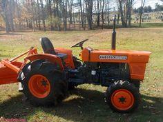 Kubota L225 Small Tractors, Compact Tractors, Tractor Photos, Utility Tractor, Kubota Tractors, Quad, Buick Regal, Mini Farm, Trucks